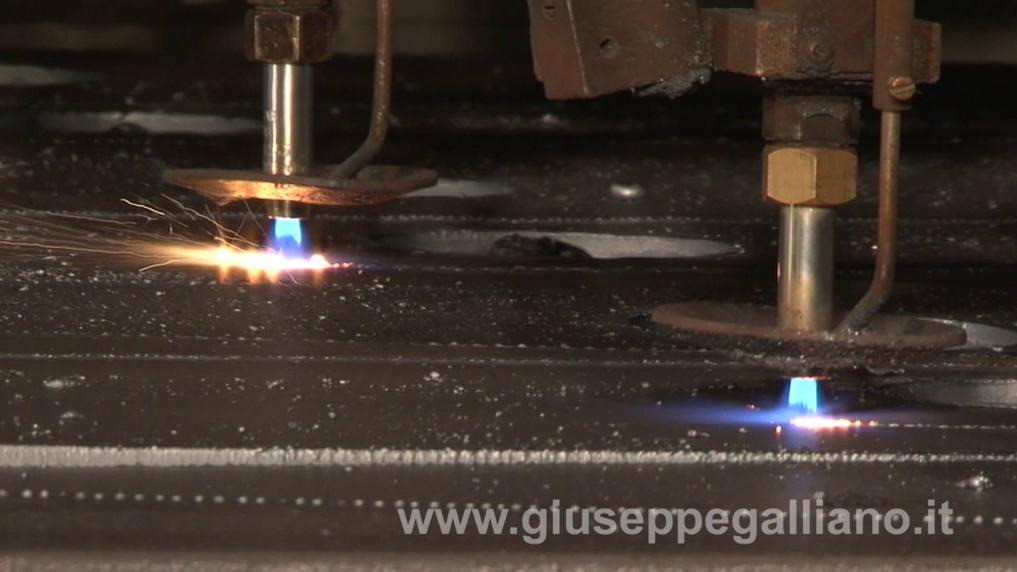 video_industriali_taglio_lamiere_galliano_
